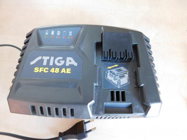 Schnell-Ladegerät SFC 48 AE